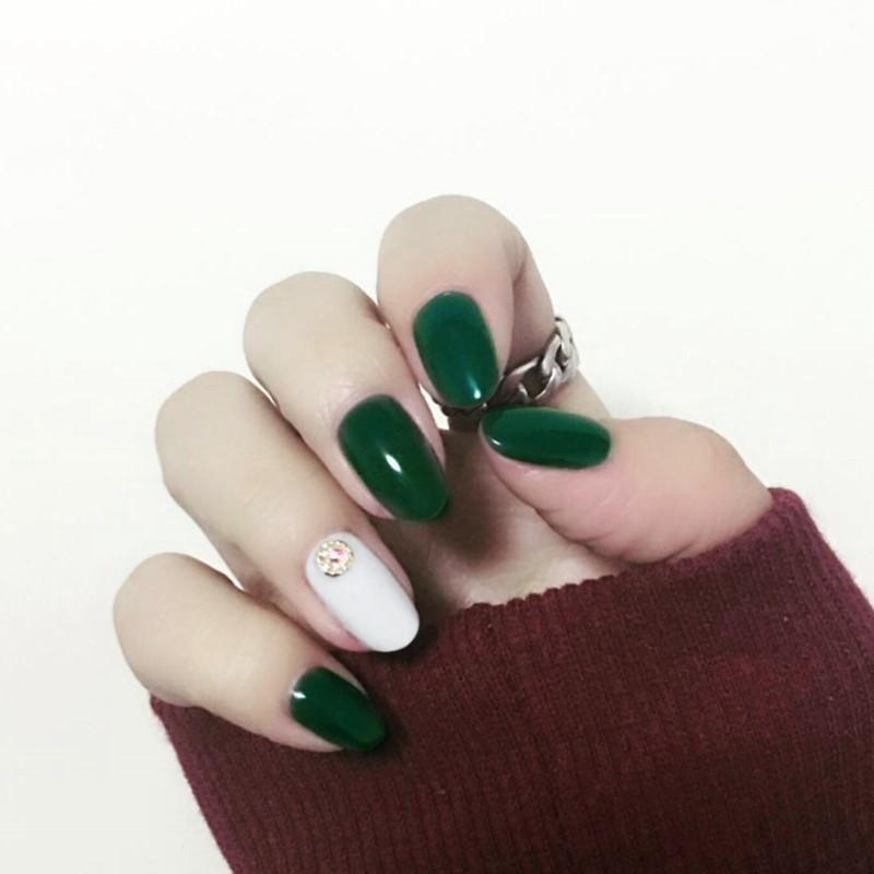 Acquista Fair Lady Vintage Verde E Bianco Ha Colpito Le Unghie Finte