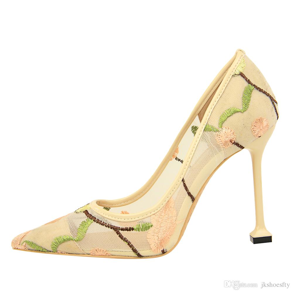 Whole Sale Women High Heel Fashion Party Shoes Lace Pumps Sexy Pointed Toe Brand New Flower Design Wedding Shoes