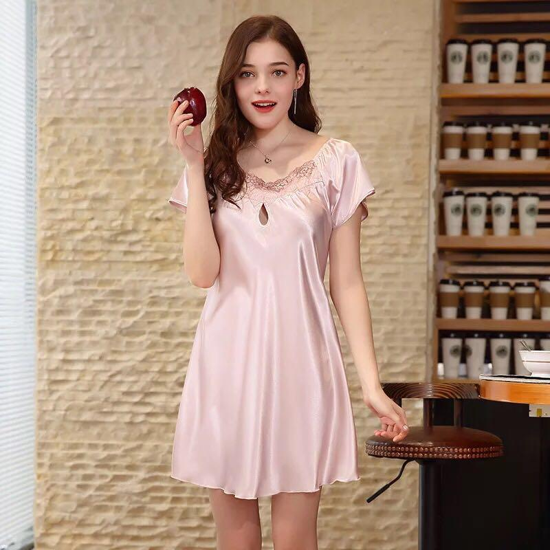 a02fe6372b 2019 2018 New Sweet Young Women Silk Nightgown Printed Fashion Knee Length  Girl Sleepwear Summer Ladies Sleepshirts Sexy Plus Size From Yakima