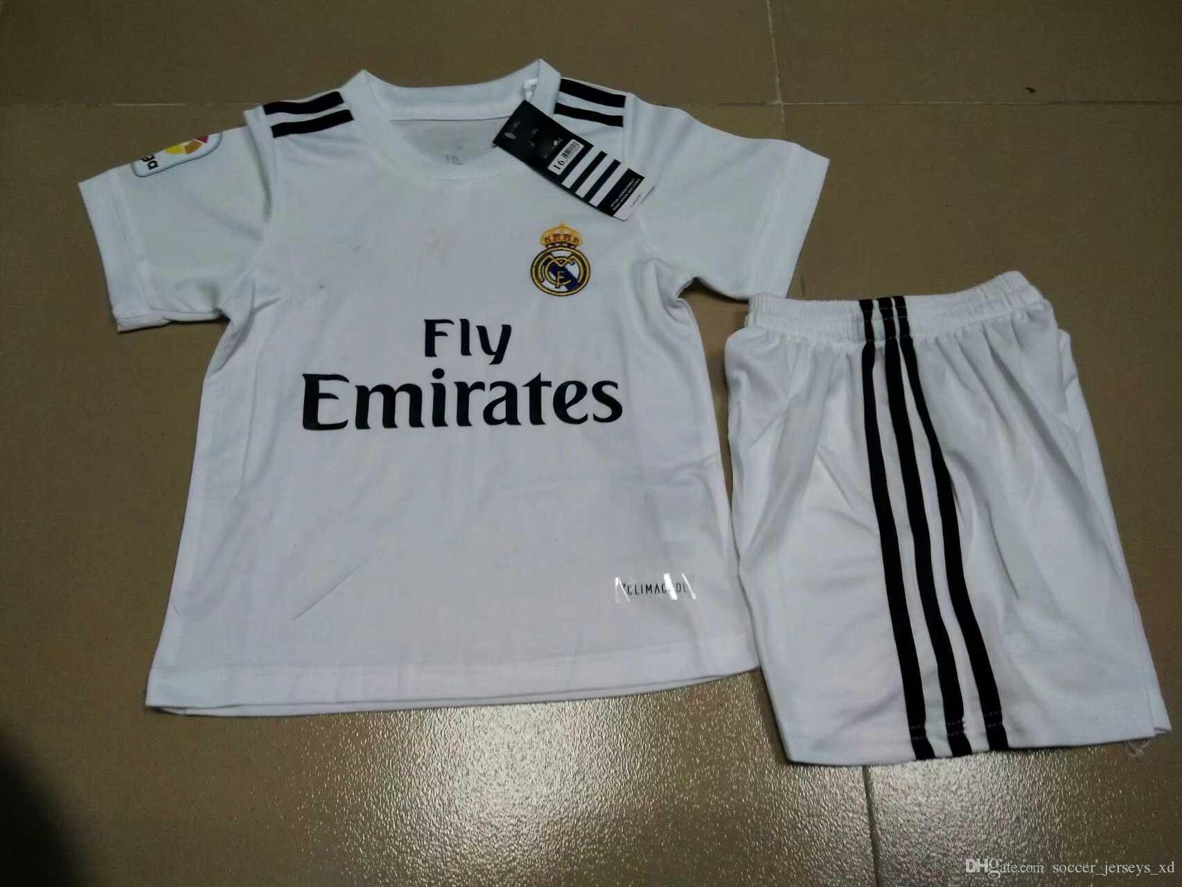 2019 Soccer Jerseys 2018 Kids Kit Real Madrid Football Jersey 2017 18 Home  White Away Black Boy Soccer Jerseys Ronaldo Bale ASENSIO ISCO Child So From  ... 91dd5c0ee