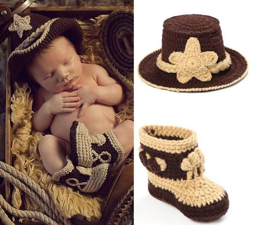 19062be0aee1e 2019 Crochet Baby Cowboy Hat And Boots Set In Brown Newborn Boy Photo Props  Handmade Knitted Baby Hat And Bootie From Quintin
