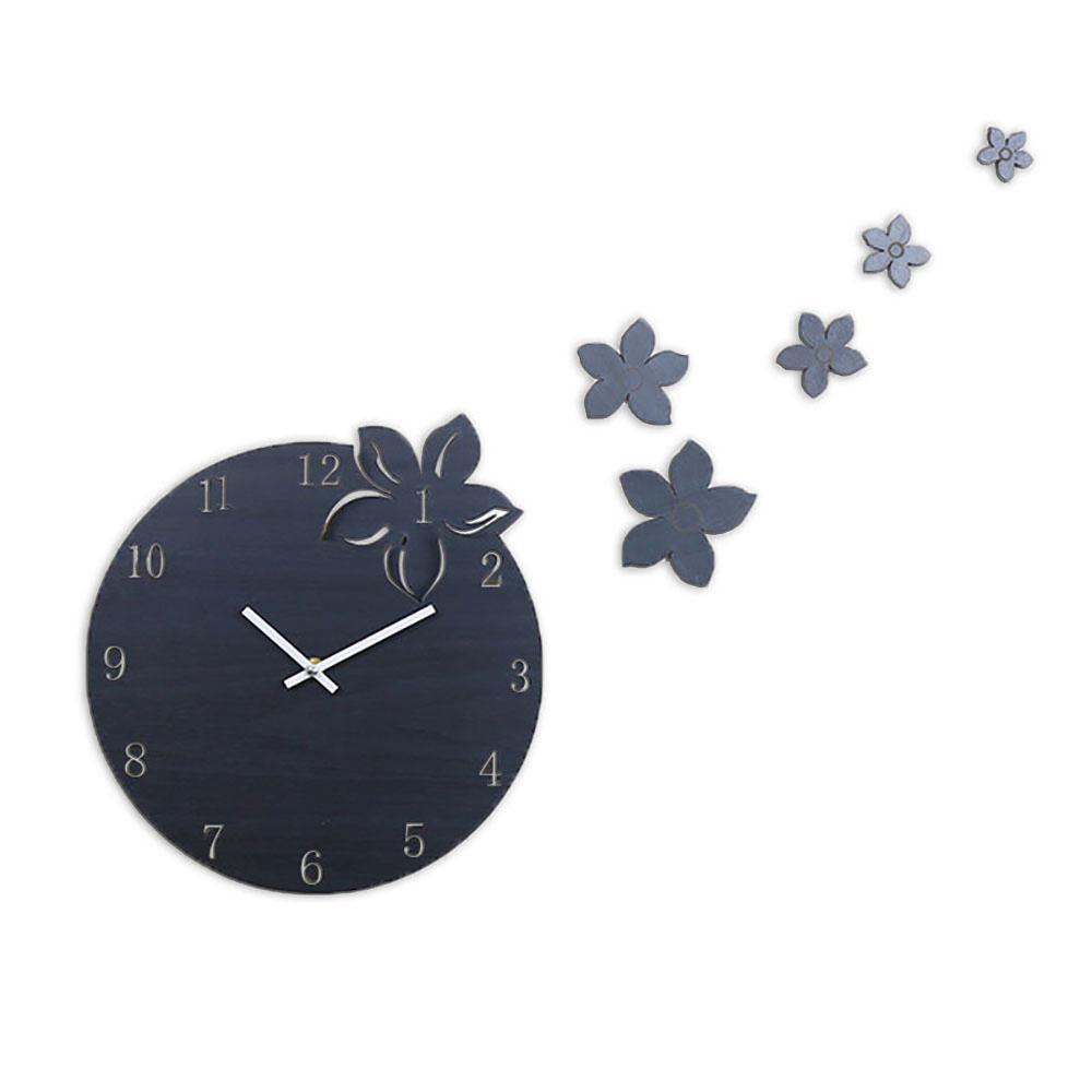 220f8efea17 Compre Criativo Flor De Madeira Redonda Pendurado Relógio De Parede Estilo  Escandinavo Silencioso Pinho MDF Relógios De Madeira Para Casa Decoração Da  ...