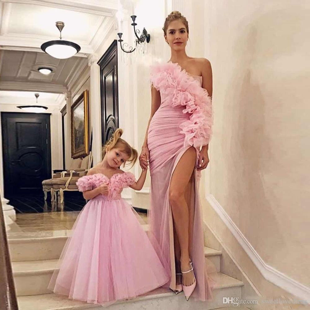 Modest Pink One Shoulder Mother and Daughter Prom dresses Sexy Side Split Pleat formal Evening Party Gowns Vestidos De Fiesta Custom made