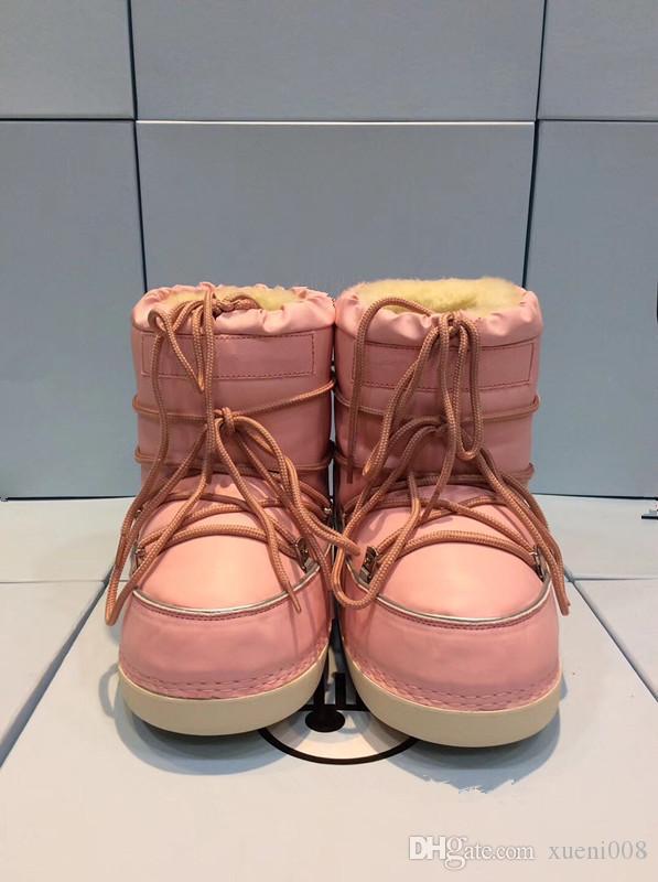 b569f836 Compre Mujeres Clásicas De Invierno Botas Para La Nieve Marca Space Boots  Ciervos De La Navidad Mediados De C Las Mujeres Mantienen Zapatos Cálidos  ...
