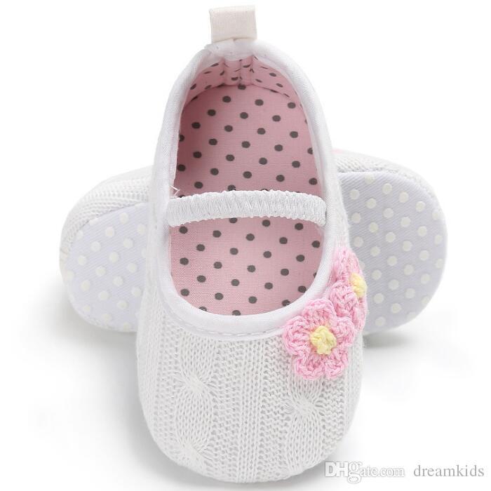 Blumen-Frühlings-neugeborene Baby-Mädchen-Booties Polka Dot-Säuglingsbaby-Schuhe, die Wollprinzessin prewalkers stricken