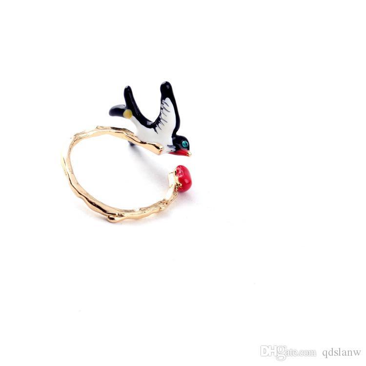 Hot vente 2018 nouvelles couleur or accessoires bijoux de mode plaqué époxy charmes Swallow alliage femmes bagues dame de style en Europe anneau cc ouvert