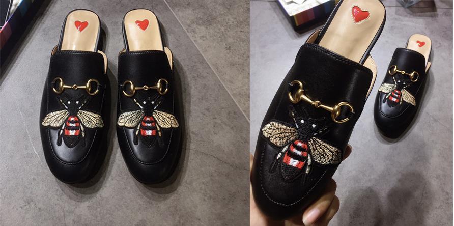 Scarpe casual Nuova Mules Princetown Uomini Donne Pelliccia Pantofole Mules Appartamenti progettista del cuoio genuino di modo delle signore del metallo catena statunitense 5-12