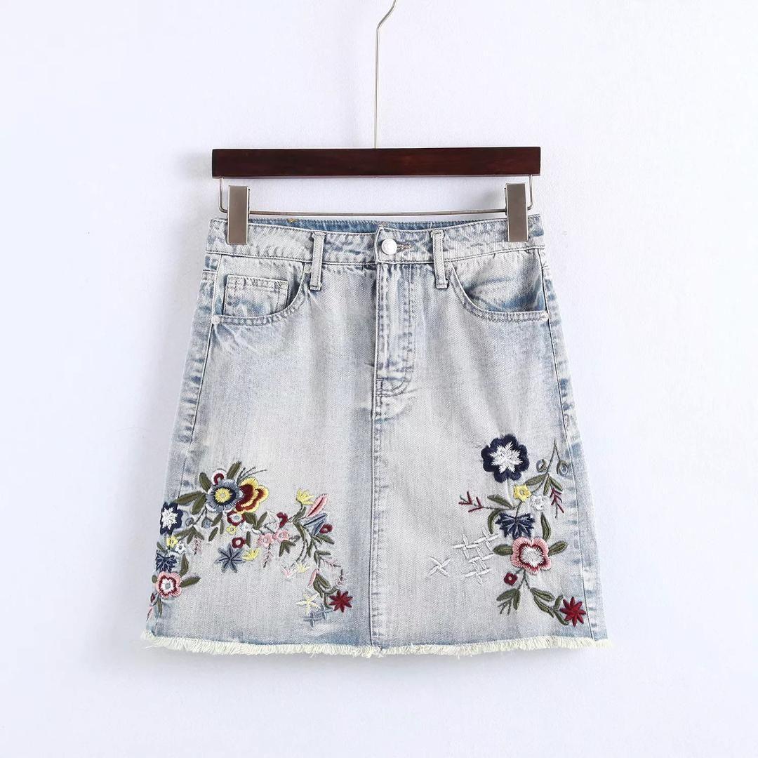 5db50e974 2018 Summer New Arrival Jeans Falda Mujeres Cinco Bolsillos Decorar Delgado  Bordado Floral Faldas de Mezclilla Con Borde de Burr Envío Gratis