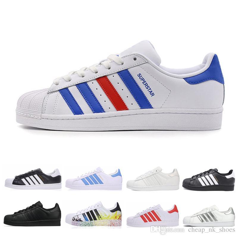 a2f82b97057 Compre Adidas Superstar Atacado Superstar Das Mulheres Dos Homens Tênis De  Corrida Zapatos Preto Branco Vermelho Designer Superstars Trainer Mens  Sports ...