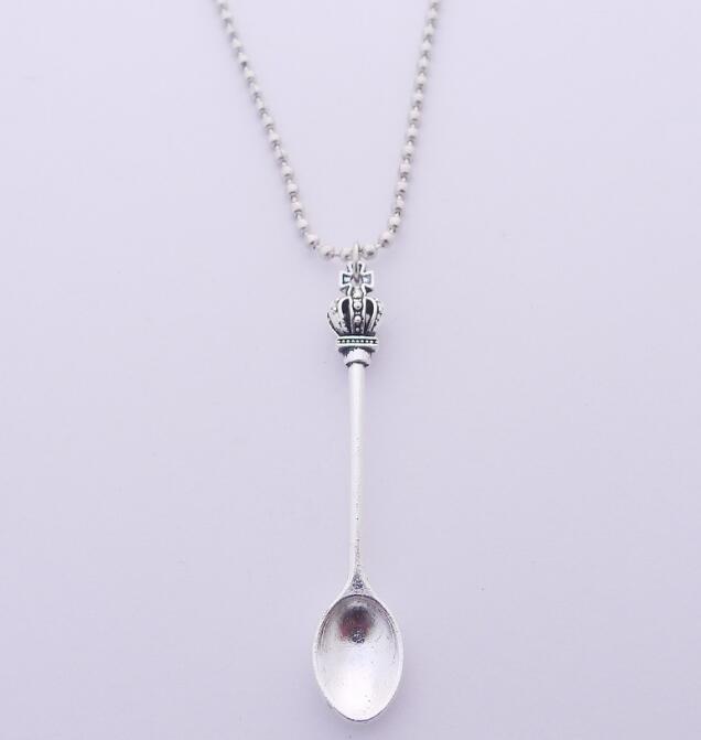 Argent Vintage Couronne Collier Inspiré Mini Thé Cuillère Charme Collier Femmes Designer Tibétain DIY Théière Royal Alice Collier