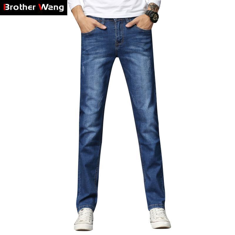 Compre 2018 Nuevos Hombres De Color Azul Claro Jeans Moda Casual  Elasticidad Flaco Pantalones De Mezclilla Lavado Blanco Rasguños Pantalones  Masculinos Ropa ... 97519111a05