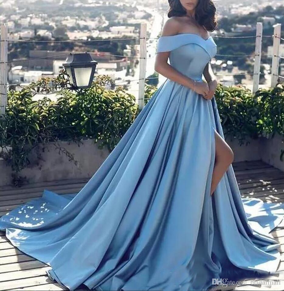 Céu azul de cetim árabes Vestidos 2019 Off-Shoulder Side Dividir Vestido de Novia Formal varredura Partido vestidos baratos Comboios Pageant Prom Dress