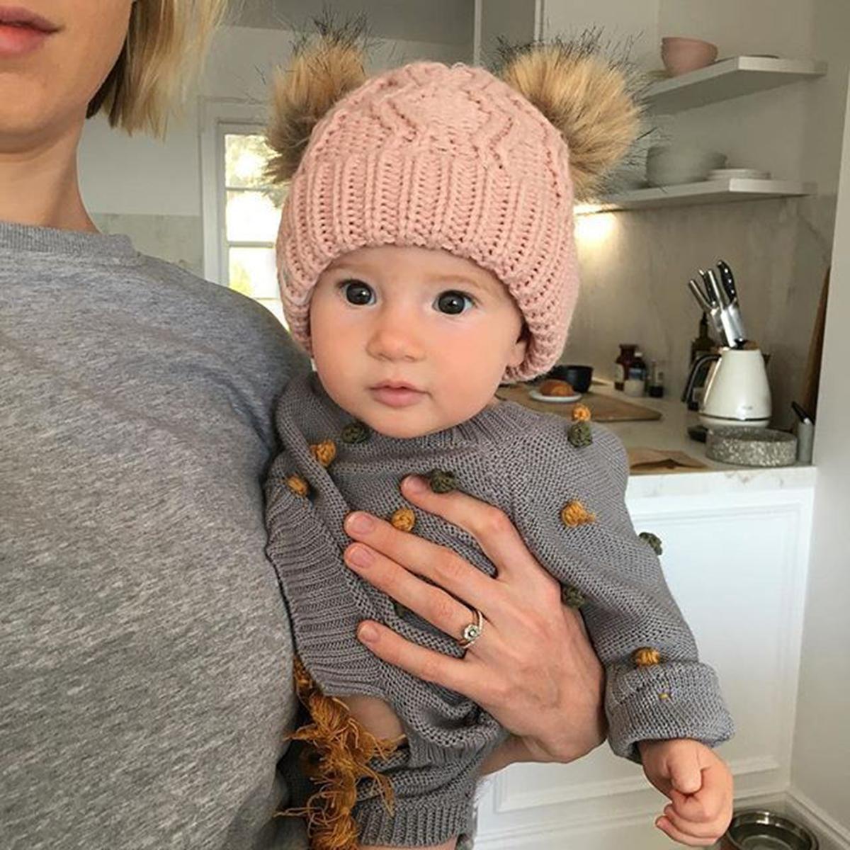 8fad9f157d2d Bebé Niño niña Invierno Cálido Sombrero de punto Gorro de invierno Sombrero  infantil Pompón doble Sombreros Pelota de piel Gorros Para unisex 0-1 año