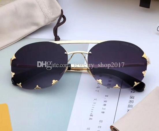 e91d483db Compre Luxo 0960 Óculos De Sol Para As Mulheres Designer De Marca De Moda  Retro Estilo Popular Lente De Proteção UV Quadrado Quadro De Alta Qualidade  Livre ...