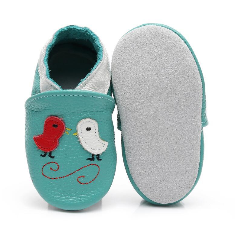 d54b50f0040c4 Soft Genuine Leather Skid-Proof Baby Shoes Handmade baby moccasins for  little girls boys cute bird pattern Infant Slippers