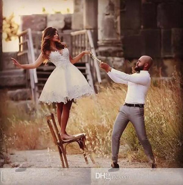 Короткие Мини Дешевые Простые A Line Свадебные Платья Милая без Рукавов Кружева Аппликации До Колен Африканский Плюс Размер Свадебные Платья Свадебные Платья