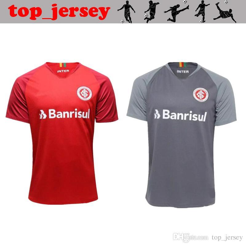 aaa080c7cb9af Compre NEW Sport Club Internacional Camisa De Futebol 18 19 RED Casa Longe  Cinza N. LOPEZ D.ALESSANDRO POTTKER Camisa De Futebol De Qualidade Thai 2018  De ...