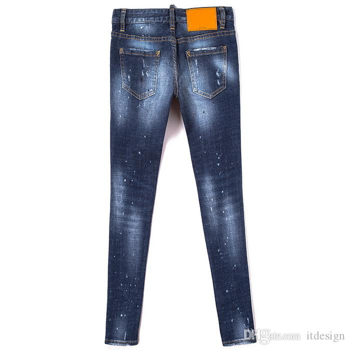Young Woman Yellow Leather Patch Detail 5-Pocket Jeans Low Waist Trim Fit Denim Pants Cool Girls