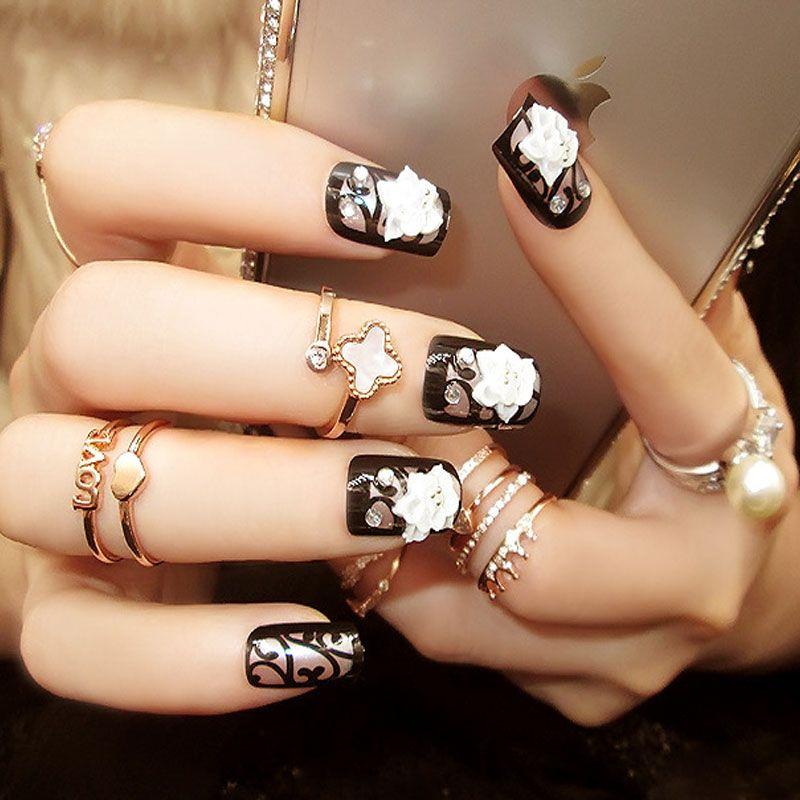ZHOU Short Black False White Carved Flower Nails Fashion Design ...