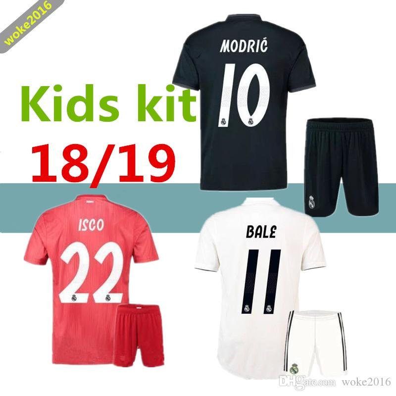 439033bc7c Compre 2019 2018 Real Madrid Conjunto De Ropa Deportiva De Fútbol Rojo Infantil  18 19 RONALDO ASENSIO RAMOS BALE ISCO MODRIC Benzema Camiseta Red Football  ...