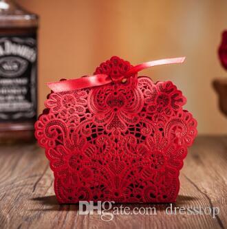 2018 neue 50 stücke Laser Cut Hochzeit Gefälligkeiten China Charakteristischen Pralinenschachtel Hochzeit Gefälligkeiten Rote Blumenmuster Geschenkbox Hochzeit Dekoration