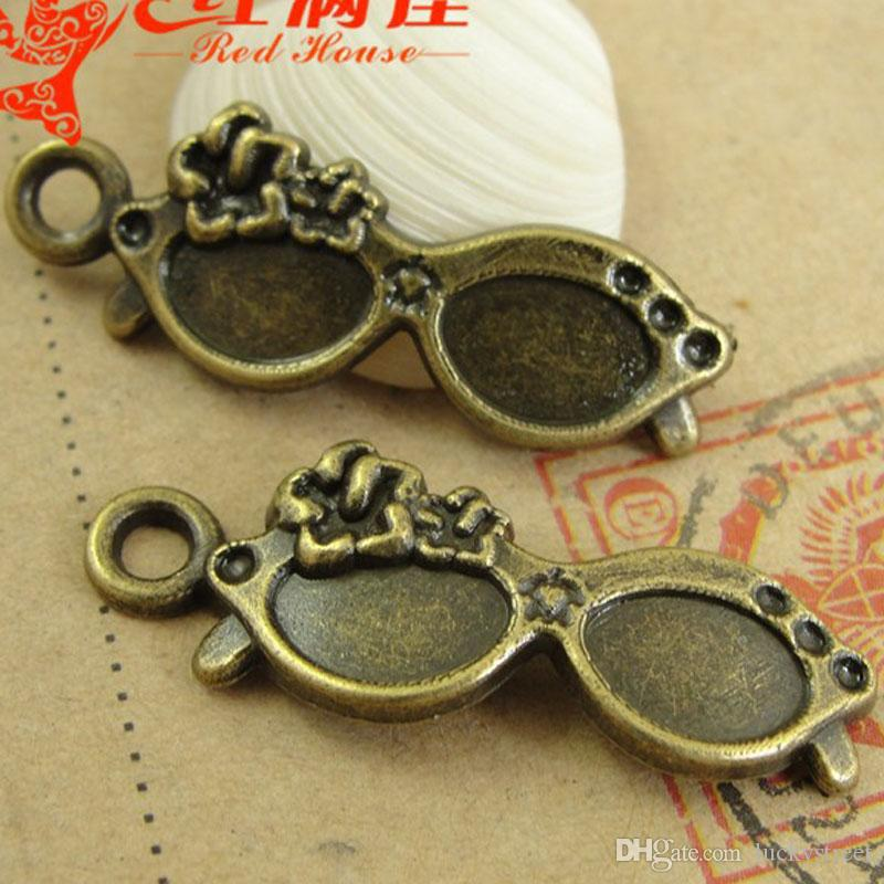 A3099 30*11MM Antique bronze Zinc alloy metal pendant, vintage kawaii korean RETRO SUNGLASSES charms mobile jewelry making accessories