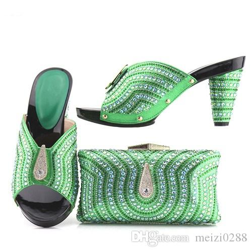 The new Italian party shoes and bags are set with green women's shoes and matching outfits in Italy..228-7.13