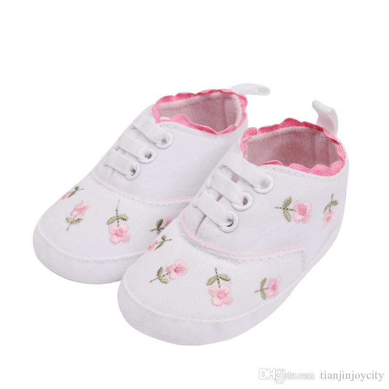 89c57e548fe68 Adorable Baby Sneakers Newborn Crib Shoes Hand-made Flower Printed Kids  Girls Boys Anti-slip Toddler Soft Sole Canvas Shoes