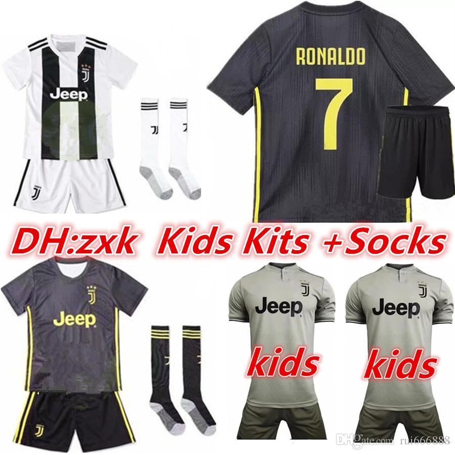 a160ee30b9 Compre 2018 19 Kits Crianças + Meias RONALDO Juventus 2018 2019 Camisas De  Futebol DYBALA 18  Camisa Adidas Chelsea ...