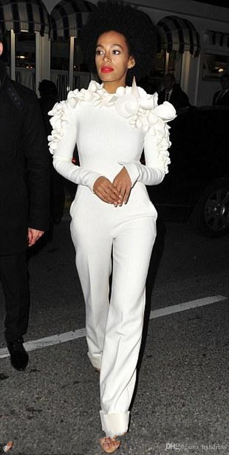 2019 Yeni Geliş Ünlü Elbiseleri Beyaz Bacak Tulum Uzun Kollu Çiçekler ile Yüksek Boyun Örgün Parti Abiye Custom Made 2020