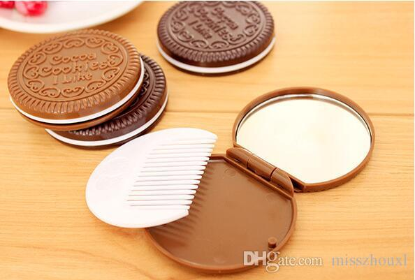 Fashion Cocoa Cookies Mirror Makeup Mirrors with Comb,Unique Cheap Sandwich Cooke Compact Mirrors Women Makeup Accessories Tools