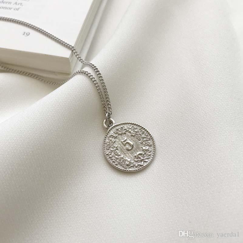 Korean Korean 925 Sterling Silver White Gold Dollar Round Coin Pendant Necklace gold chain wholesale Send packaging