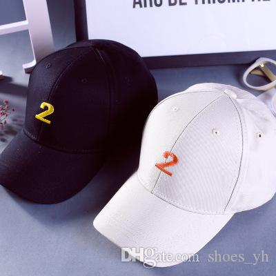 Hat Winter Men Women Baseball Hat Embroidery Figures 2 solid color trendy couple bend Yan shade cap