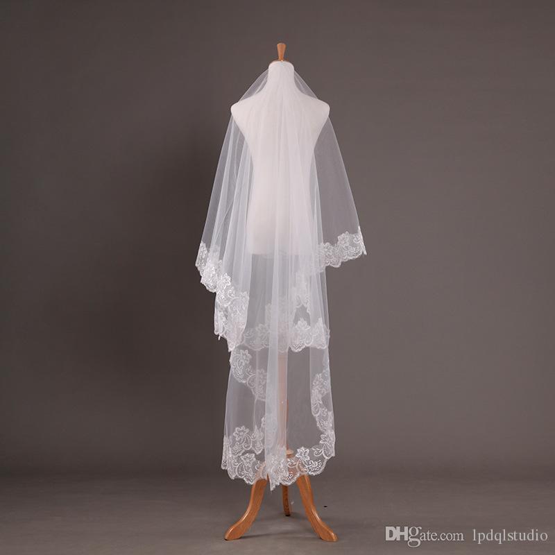 Kostenloser Versand 2019 billig Hochzeitsschleier weiche Tüll mit Applique Rand 1,5 * 1,8 m Weiß, Elfenbein Braut Schleier Hochzeitszubehör Voiles de Mariage