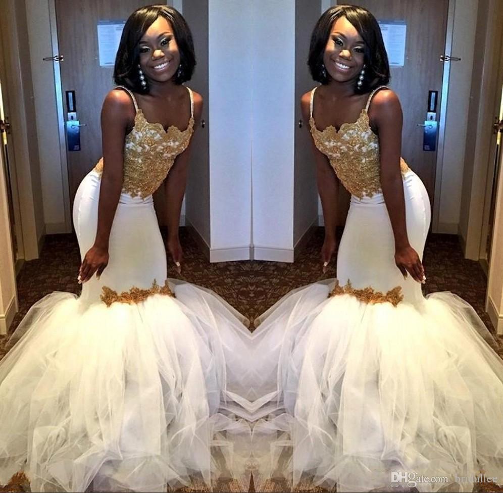 Robes de soirée de bal d'étudiants élégantes de sirène africaine 2018 robes de soirée blanches et or avec jupe gonflée en tulle bretelles spaghetti dentelle robe de corset