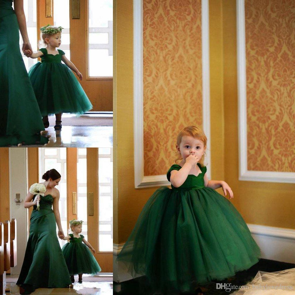 Lovely Little Baby Girl robes Pageant Emerald Green Cap manches thé longueur robe de bal Robes de filles de fleur Communion Party robes de bal