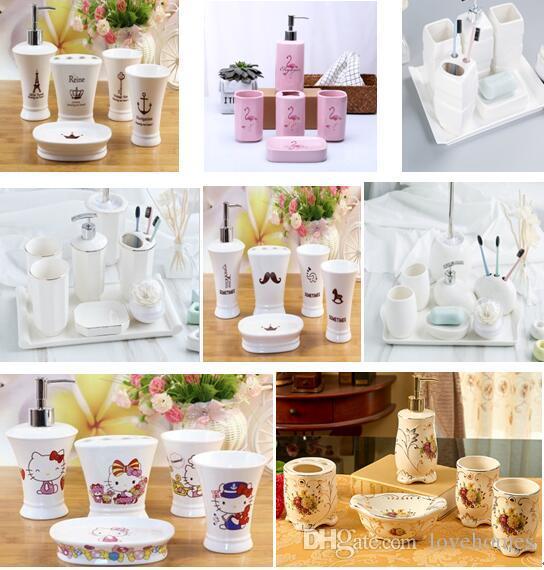 Acquista Bianco E Nero Rosa Colori Accessori Da Bagno In Ceramica Elegante  5 Pezzi Set Da Bagno 1 Bottiglia Di Sapone + 1 Porta Sapone + 1 Porta  Spazzolino