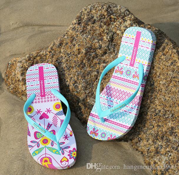 Hotmarzz Femmes Tongs De Mode Diapositives D'été Pantoufles Maison Chaussures De Plage Pantufa 2018 Dames Flat String Sandales Chaussures Femme