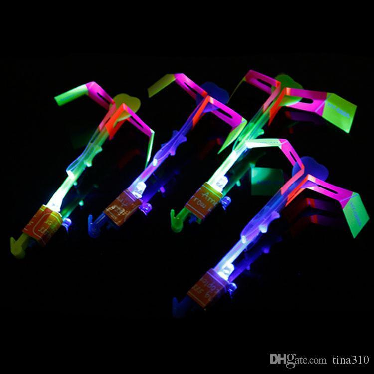 Erstaunlicher blinkender geführter Pfeil-Raketen-Hubschrauber, der Fliegen cs dreht, leuchten für Kinderpartei-Dekorations-Geschenk T1I373