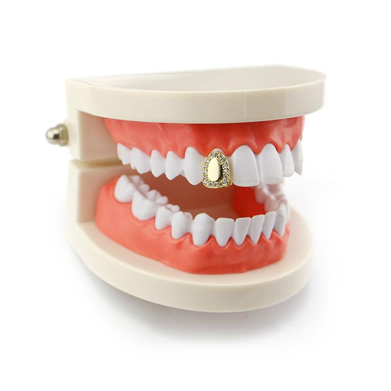 Fashion Hiphop Teeth Grillz Diamonds For Halloween 2018 New Cubic Zircon Jewelry Luxury CZ Vampire Grillz Gold Plated