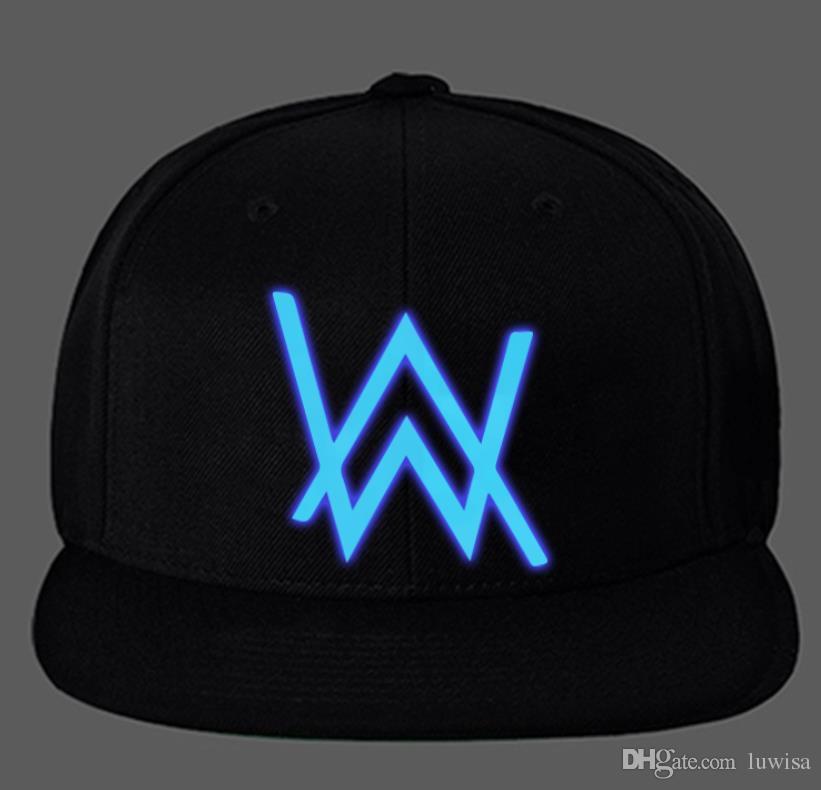 Compre Alta Qualidade DJ Alan Walker Trajes Cosplay Chapéu Hip Hop Cap  Unisex Luminosa Ajustável Snapback Boné De Beisebol Preto Algodão De  Luwisa b51b71d18e38