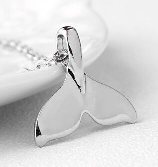 DHL Güzel Denizkızı Klavikula Zincir Gümüş Kolye Basit Moda Takı Fishtail Kolye Kolye Kadınlar için En Iyi Hediye