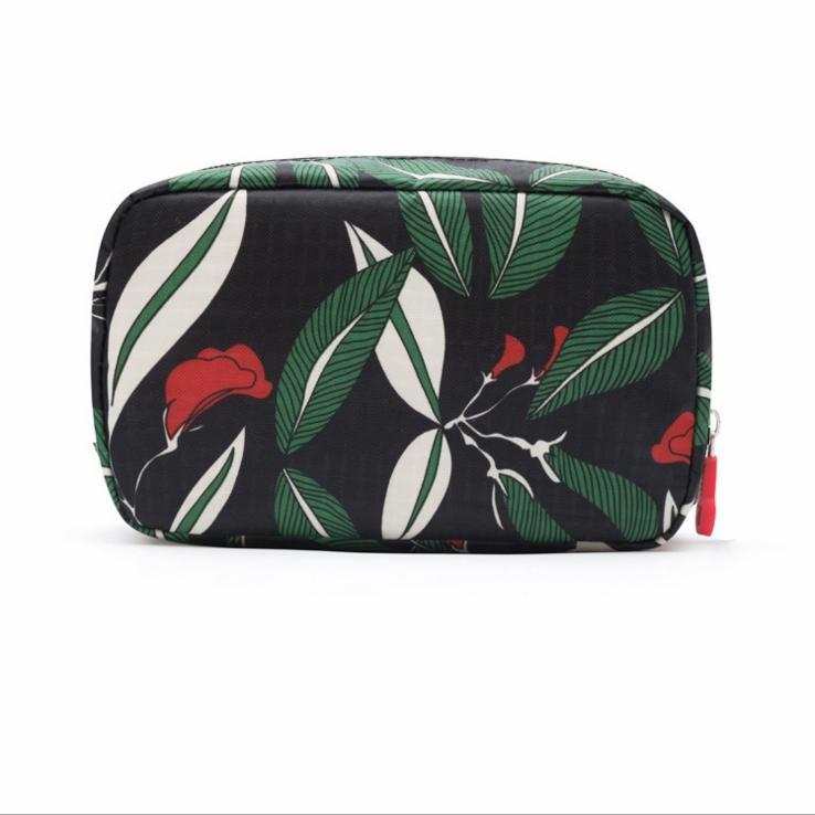 2017 мода Портативный печати цветок небольшой косметичка водонепроницаемый полиэстерmakeup чехол Большая емкость для путешествий сумка для туалетных принадлежностей