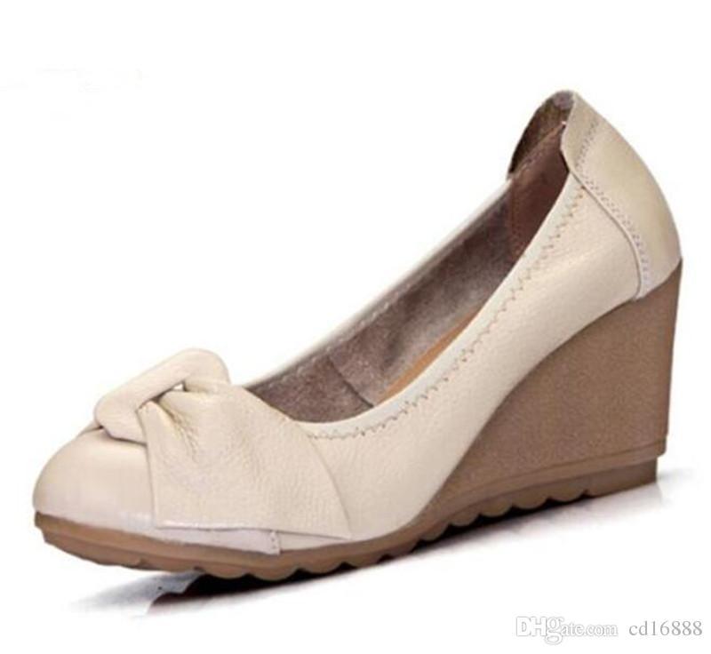 separation shoes 19a97 67c24 Scarpe comode eleganti delle donne del tacco alto delle cunei delle  ciabatte 2018 molle molli delle scarpe di cuoio reali delle donne dell arco  della ...
