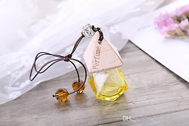 Fashion Type Empty mini refillable hanging car perfume bottles Wholesale with wooden cap for air fresher