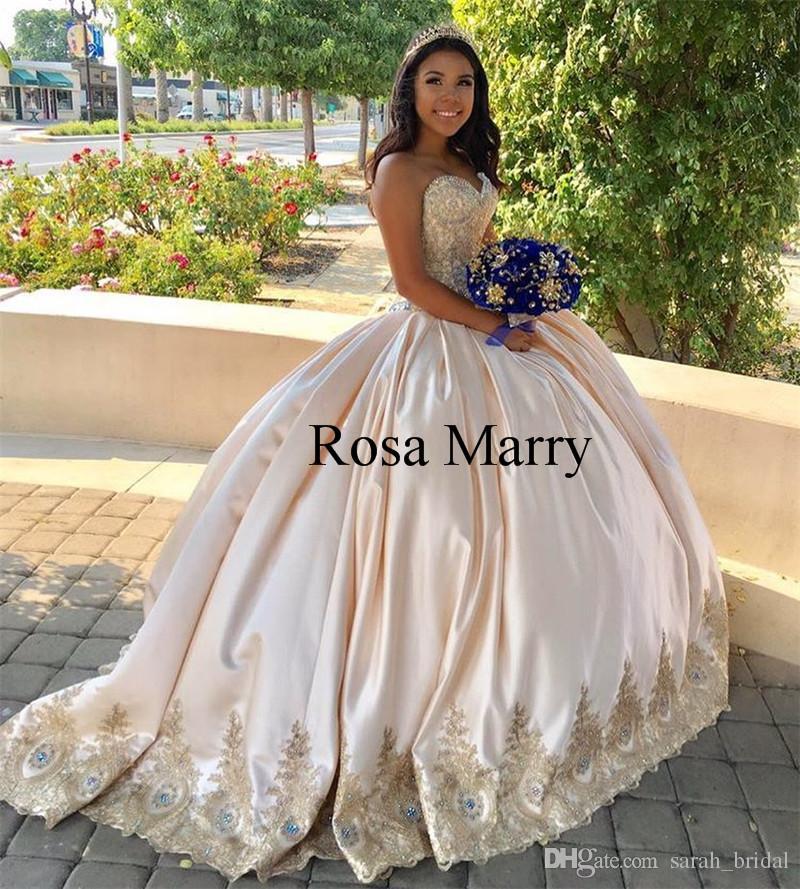 1312d1edd Luxo Rendas De Ouro Doce 16 Quinceanera Vestidos 2018 Vestido De Baile  Espartilhos Cristais Plus Size Cetim De Baile Masquerade Vestidos 15 Anos Vestidos  de ...