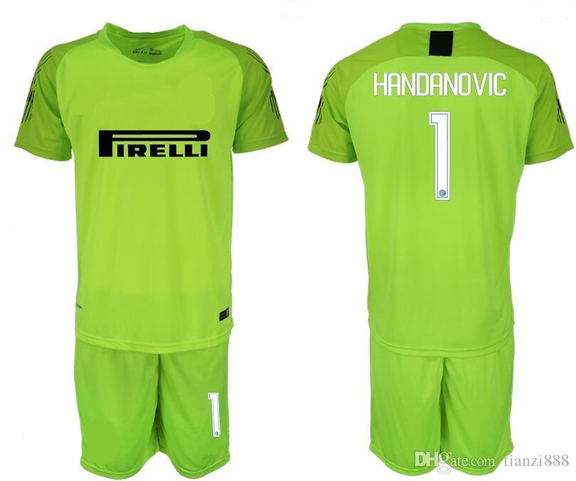 Compre Itália Serie A InT Milan Sportswear De Futebol De Manga Curta 1819  Clássico Azul Verde Amarelo Goleiro De Futebol Terno De Esportes De  Tianzi888 fd9b0101540ac