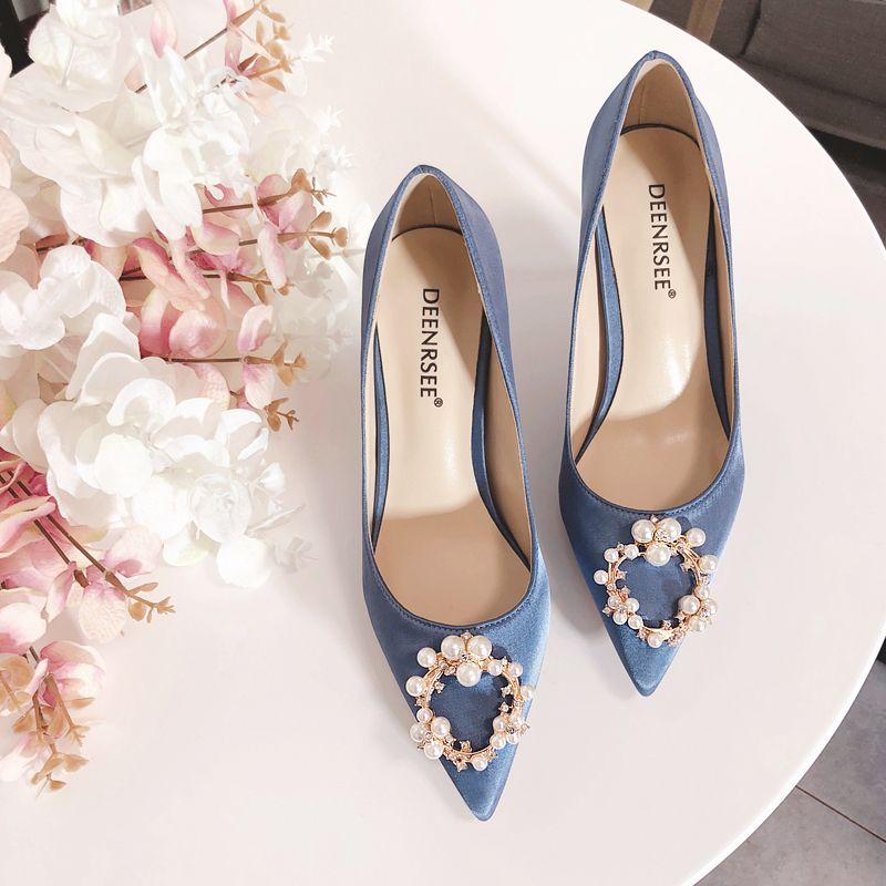 ba663550610 High Quality Stiletto Heel Silk Wedding Shoes For Bride Luxury Designer  Women Heels Pearls Poined Toe Rhinestones Bridal Shoes Kitten Heel Wedding  Shoes ...