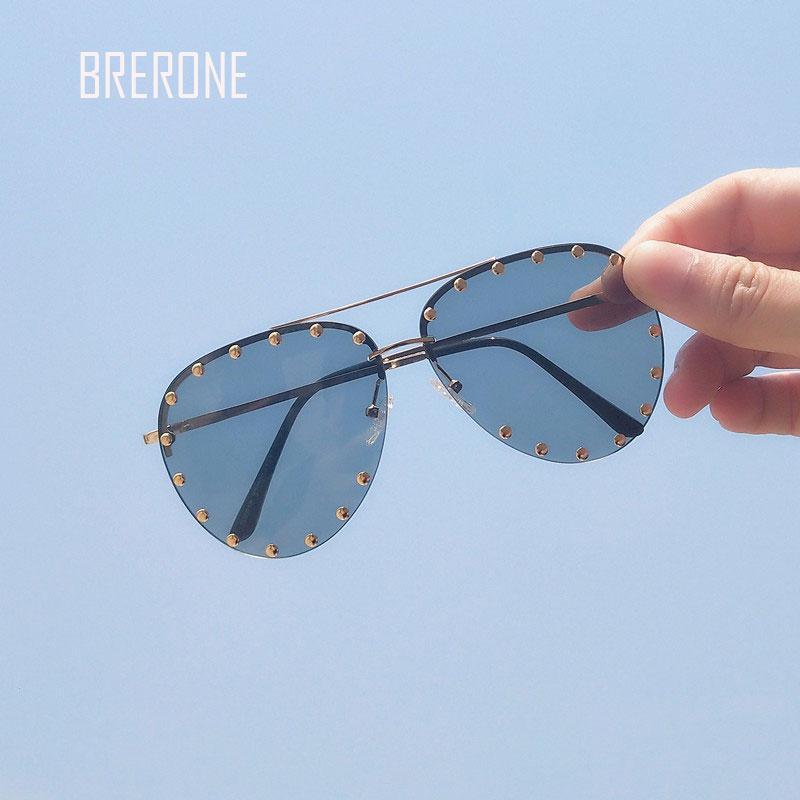 6b059c279 Compre Venda Por Atacado Mulheres Óculos De Sol Rebite Óculos De Sol  Mulheres Óculos De Sol Óculos De Sol Oculos De Sol Feminina Óculos Gafas  Mujer Lunettes ...
