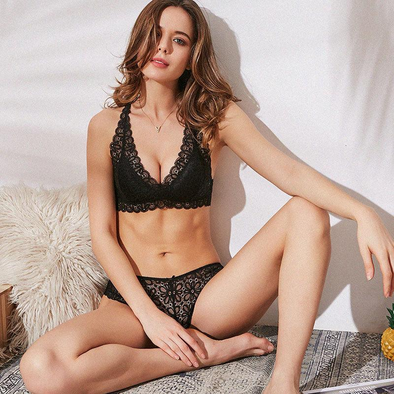6d5a4b53c2 2019 Women Sexy Floral Lace Bralette Bra Sets Wireless Brassiere Ultra Thin  Comfortable Lingerie For Ladies Female Underwear Tops From Piaocloth